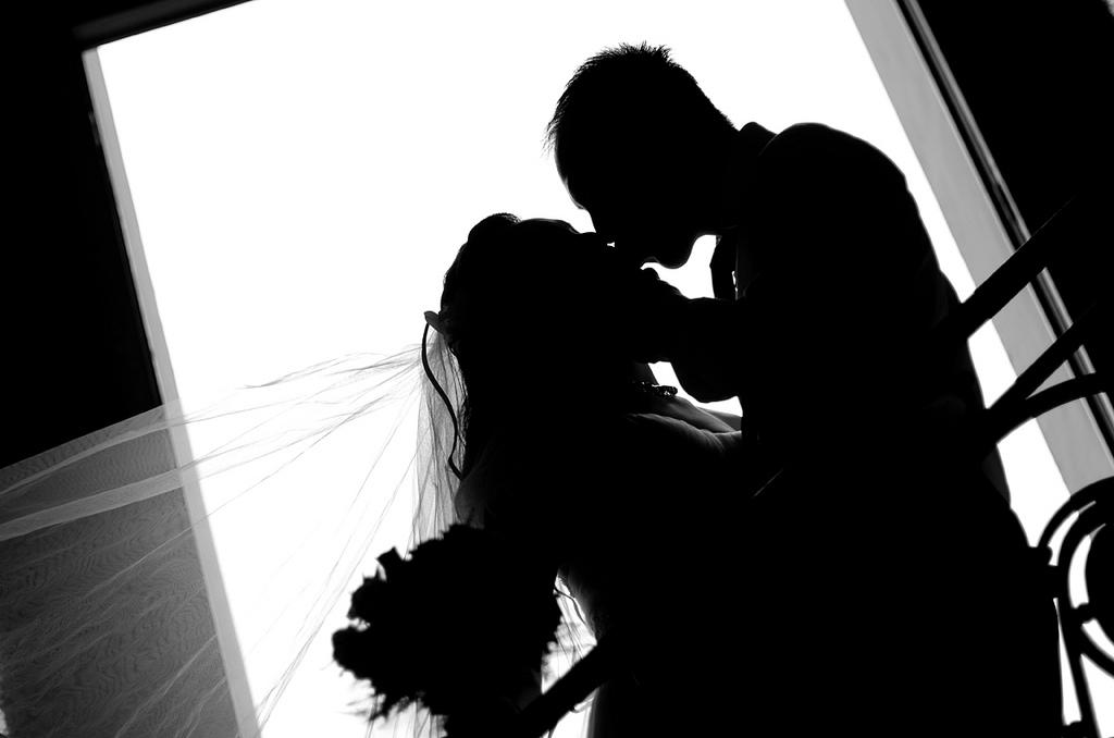 既婚男性と一夜限りの恋を正式な付き合いへと進展させる方法