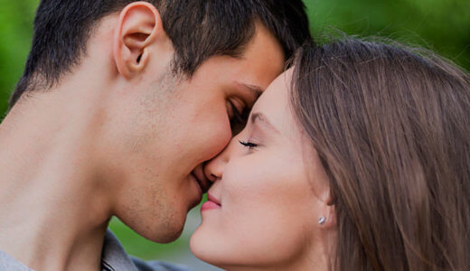 40代主婦が10代、20代の若い男性と不倫する方法は?